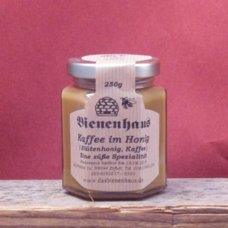 Kaffee in Honig